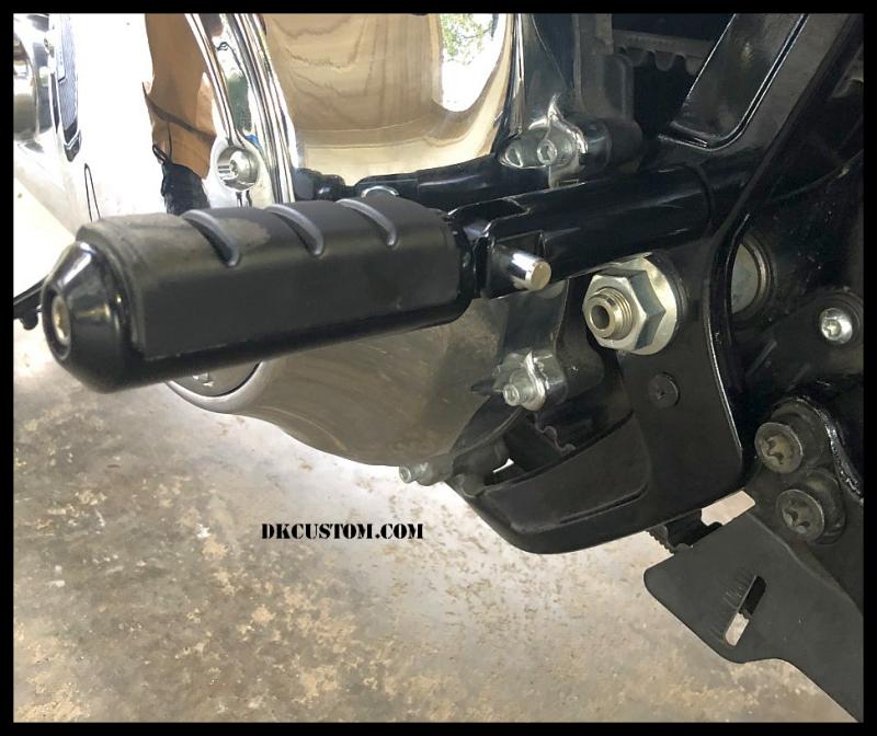 Harley DK Custom M8 Milwaukee-Eight Softail Footpeg Foot peg Passenger Mount Kit