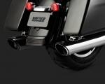 DK Custom V&H Twin Slash Round Slip-ons for Harley M8 Milwaukee-Eight Touring - Chrome Harley-Davidson Vance & Hines