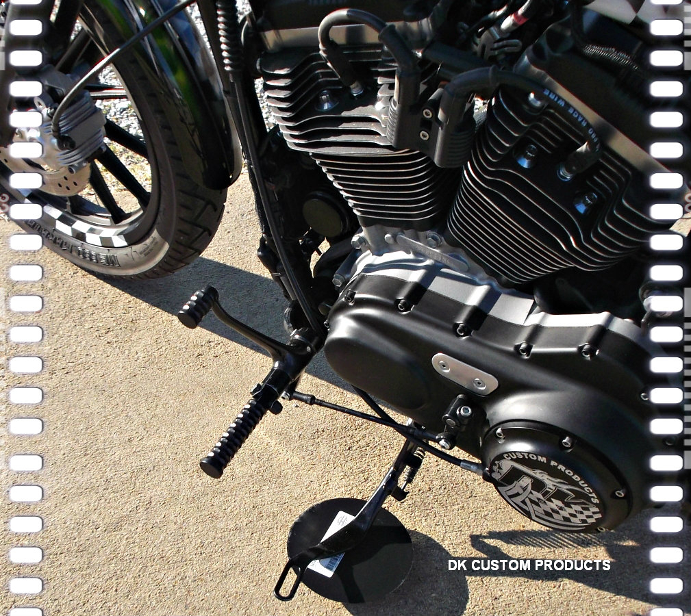 Black Powder Honeycomb Cut Foot Pegs For Harley-Davidson